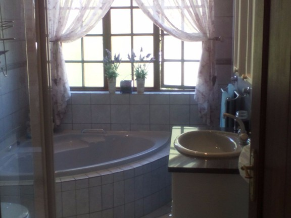 House in Bougainvilla Estate - Third bathroom.jpg