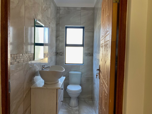 House in The Islands - Guest Toilet