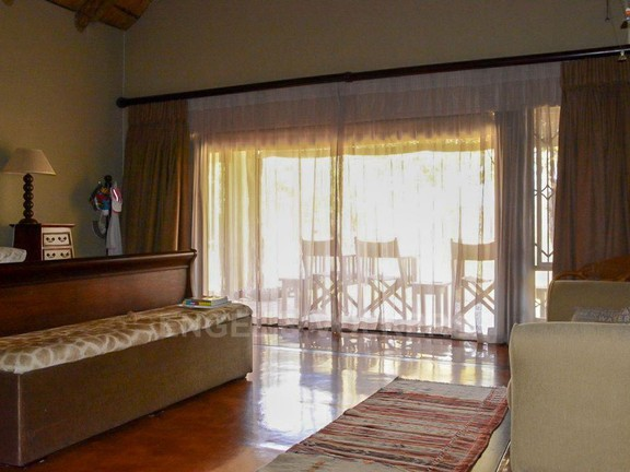 House in Phalaborwa & surrounds - Bedroom 1a.jpg