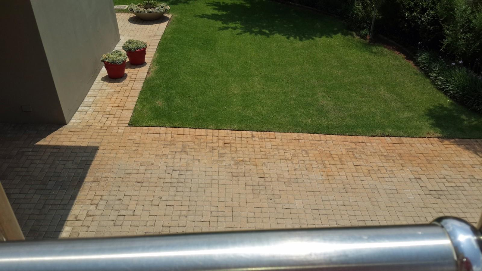 House in Magalies River Club and Golf Estate - Front_garden_5.jpg