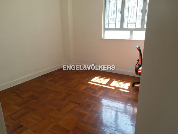 Apartment in Mid Level Central - Wing Hong Mansion 永康大廈