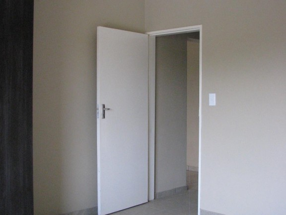 Apartment in Melodie - Entrance to main bedroom