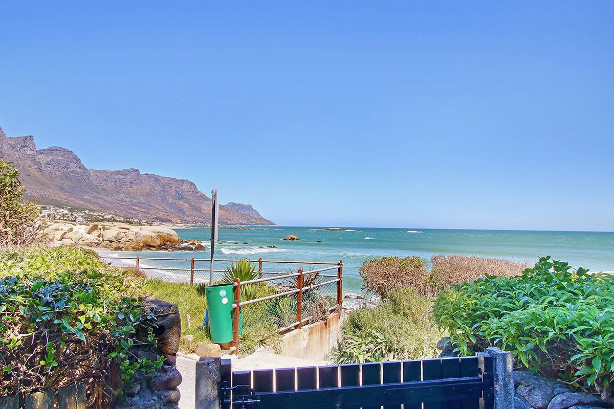 House in Camps Bay - 48.DS VIEW OVER GATE copy.jpg