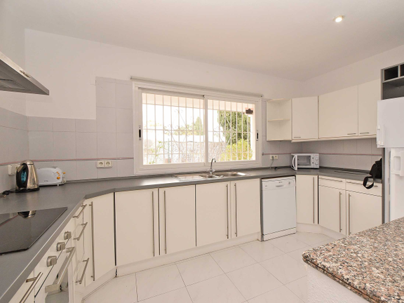 House in Sta. Eulalia - Fully equipped kitchen