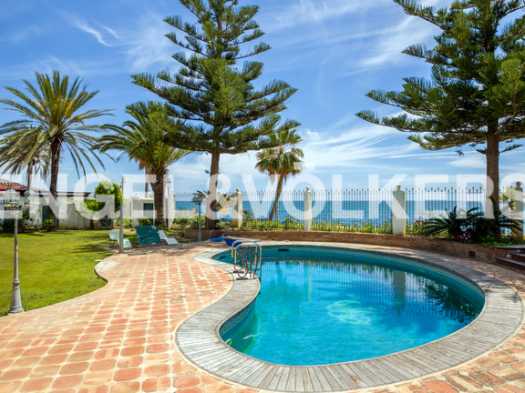 Land in Beach Side Golden Mile - Pool & Sea View
