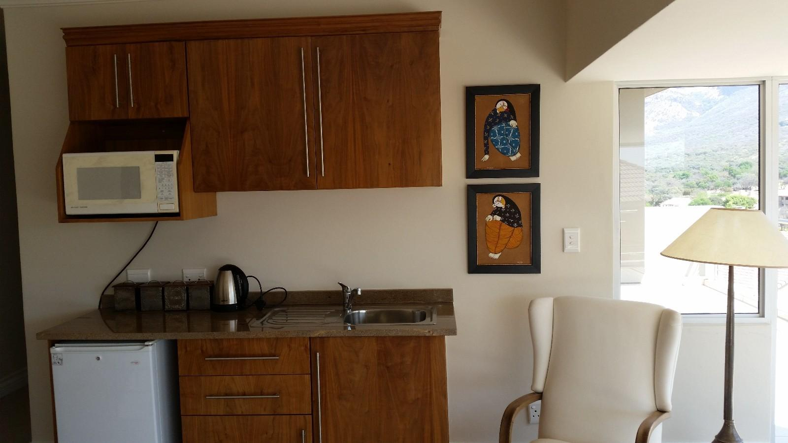 House in Magalies River Club and Golf Estate - kitchenette_foyer_1st_level.jpg