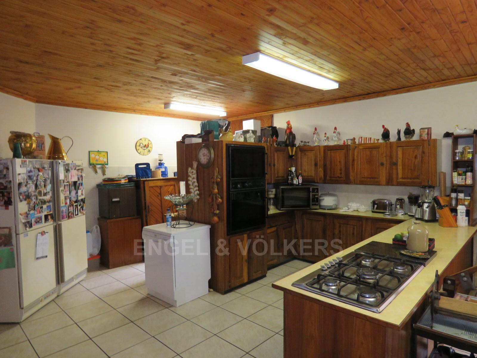 House in Schoemansville - Open plan kitchen with Gas stove