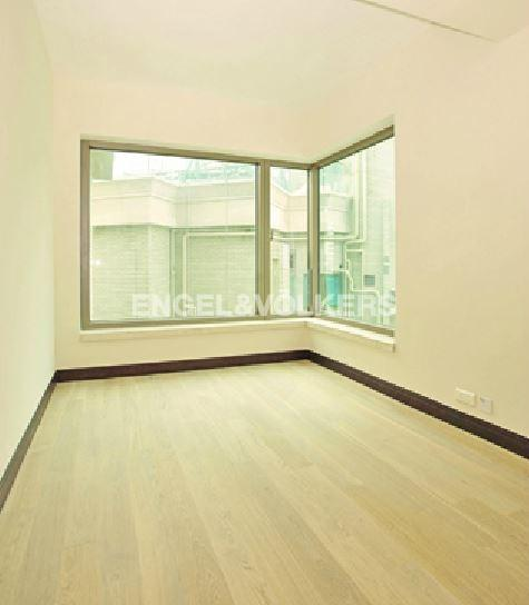 Apartment in Ho Man Tin/King's Park - Celestial Heights 半山壹號