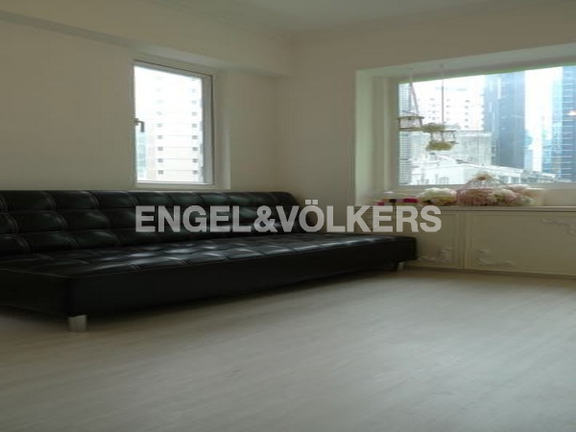 Apartment in Mid Level West - Cheung Fai Building