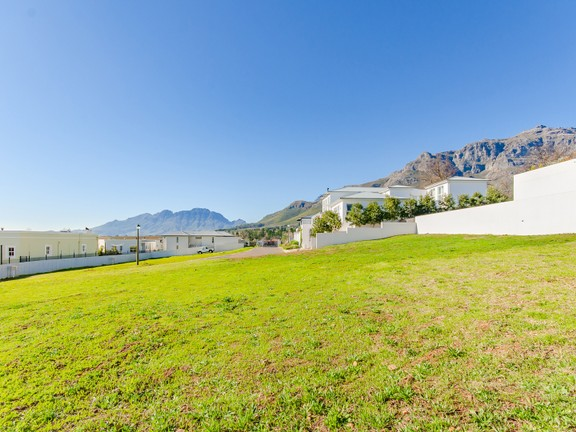 Plot Within Secure Exclusive Estate, Paradyskloof