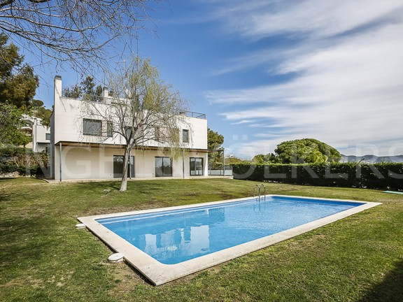 House in Can Girona - Golf