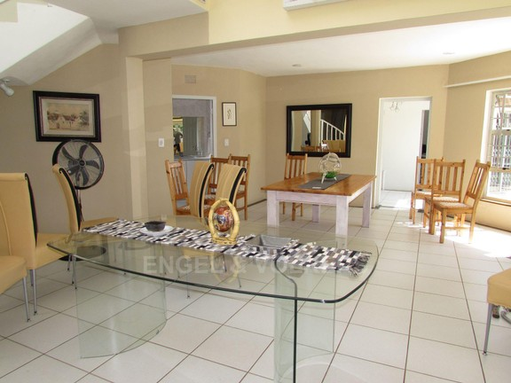 House in Ramsgate - 005 - Living areas.JPG