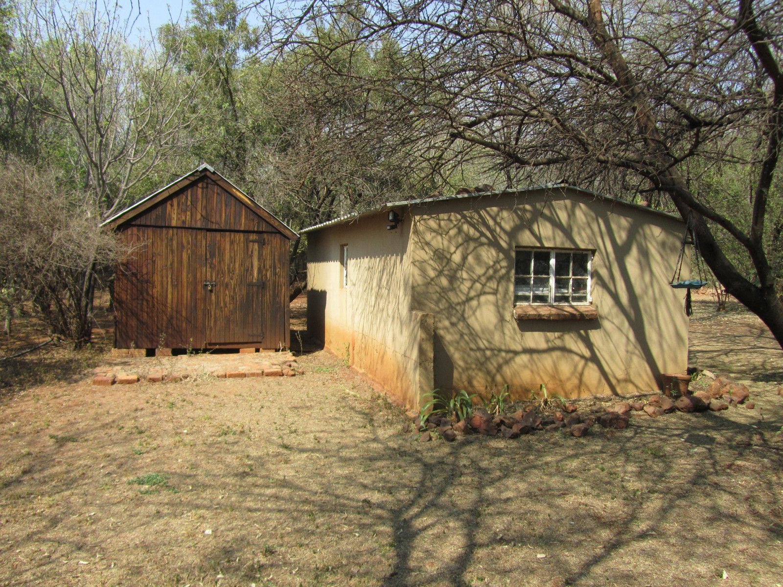 House in Hartbeespoort Dam Area - Store + Toolshed