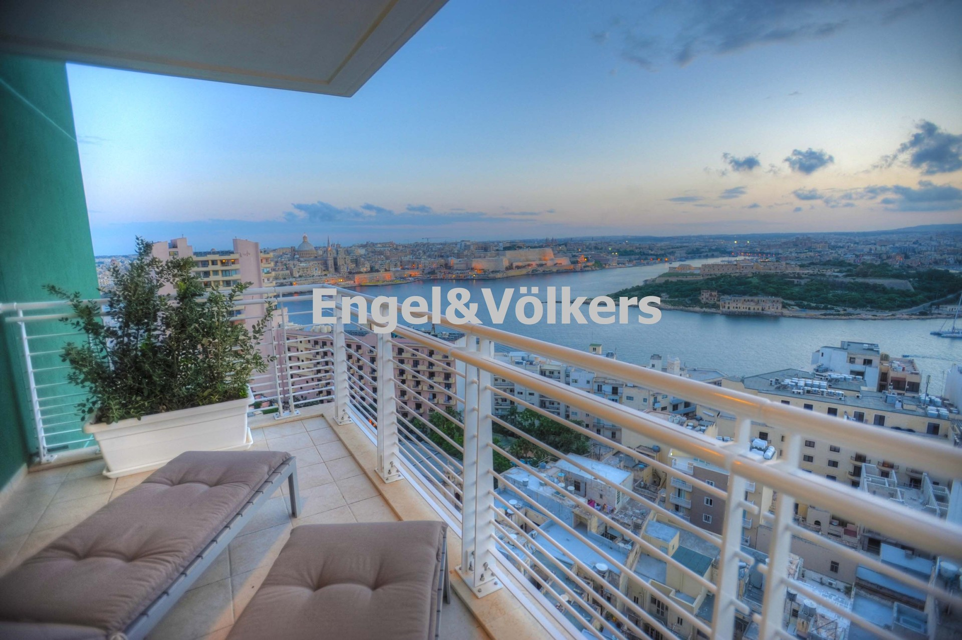 Apartment in Sliema - Penthouse, Sliema, Terrace with Out door Furniture with a sea view