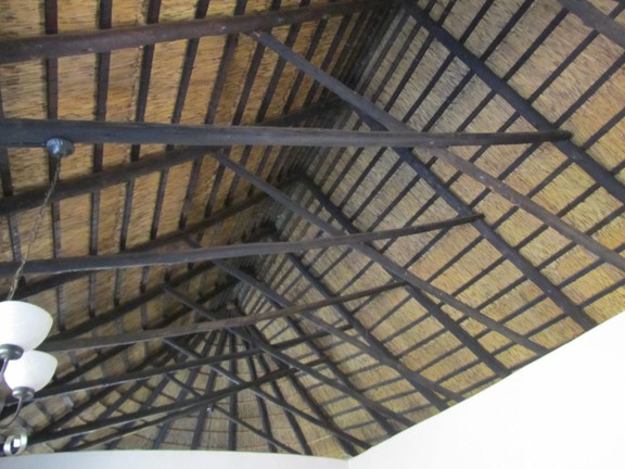 House in Hartbeespoort Dam Area - Thatch roof