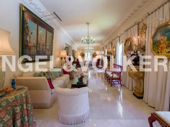 House in Golden Mile - Gallery Room