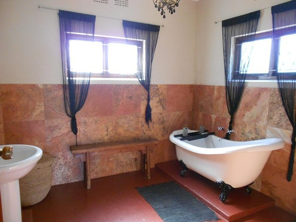 House in Melville - 008_Main_en_Suite.JPG