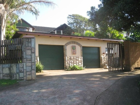 House in Umtentweni - 013 Garage And Staff Quarters