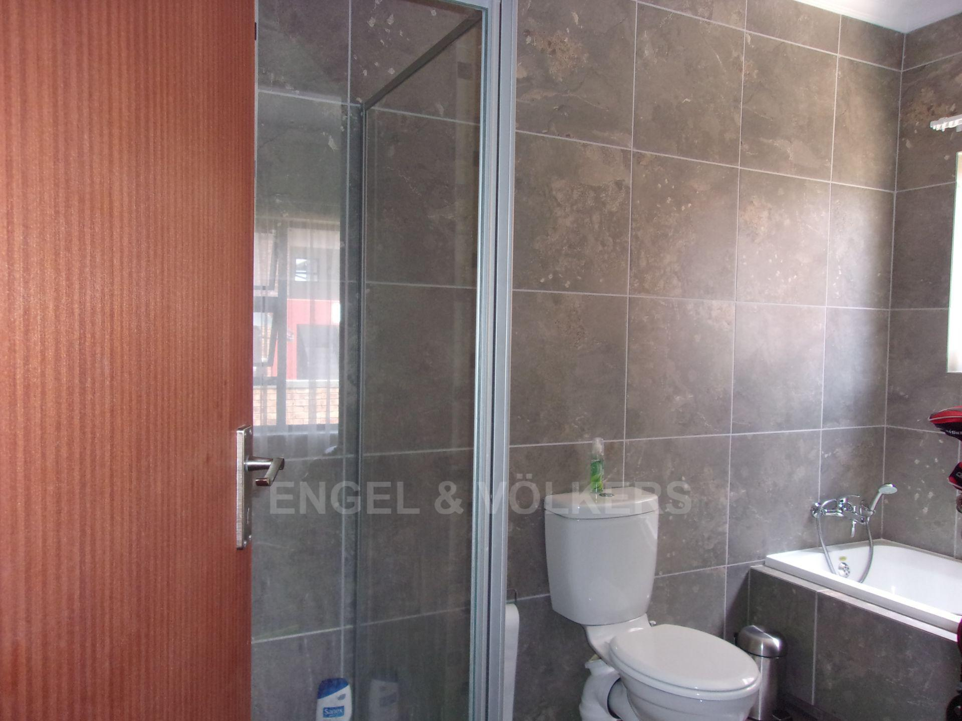 Apartment in Noordwyk - En-suite with bath tub and shower