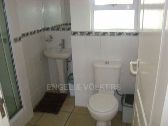 Condominium in Ramsgate - 2nd bathroom.JPG