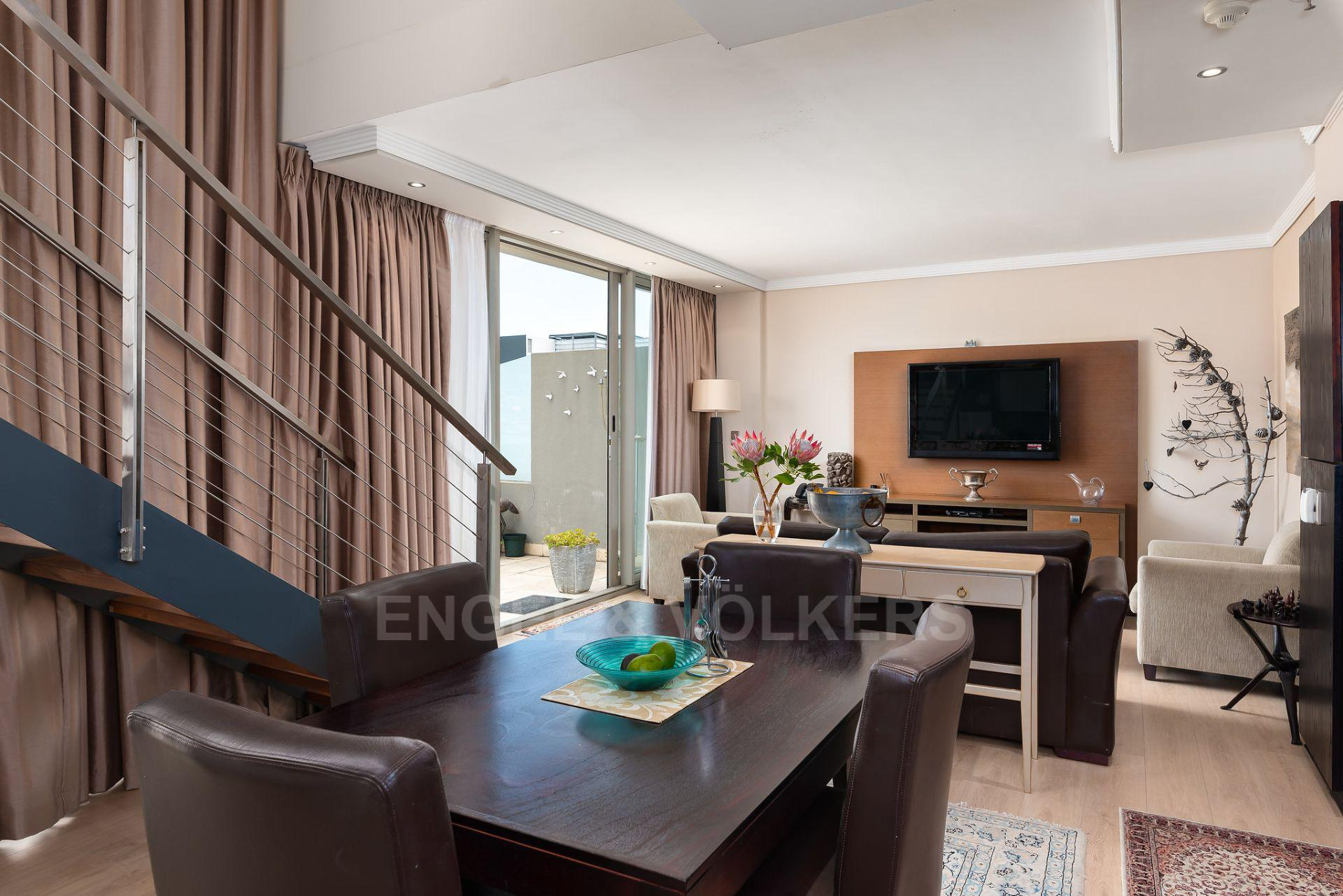 Apartment in City Centre - lounge and kitchen.jpg
