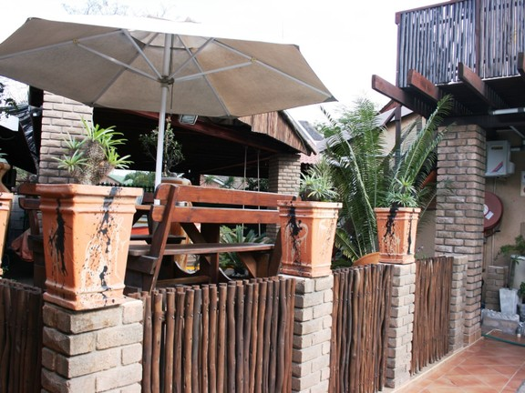 House in Phalaborwa & surrounds - Pool area