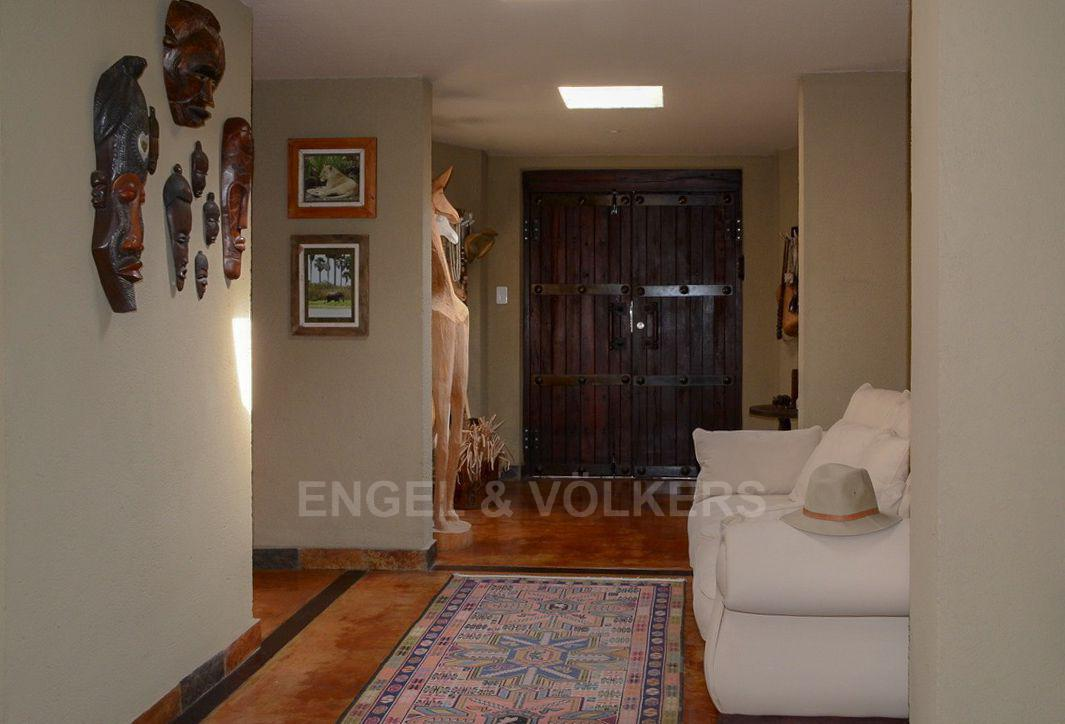 House in Phalaborwa & surrounds - Hallway.jpg