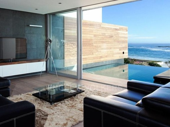 Condominium in Camps Bay - Lounge Leading Onto Pool Deck