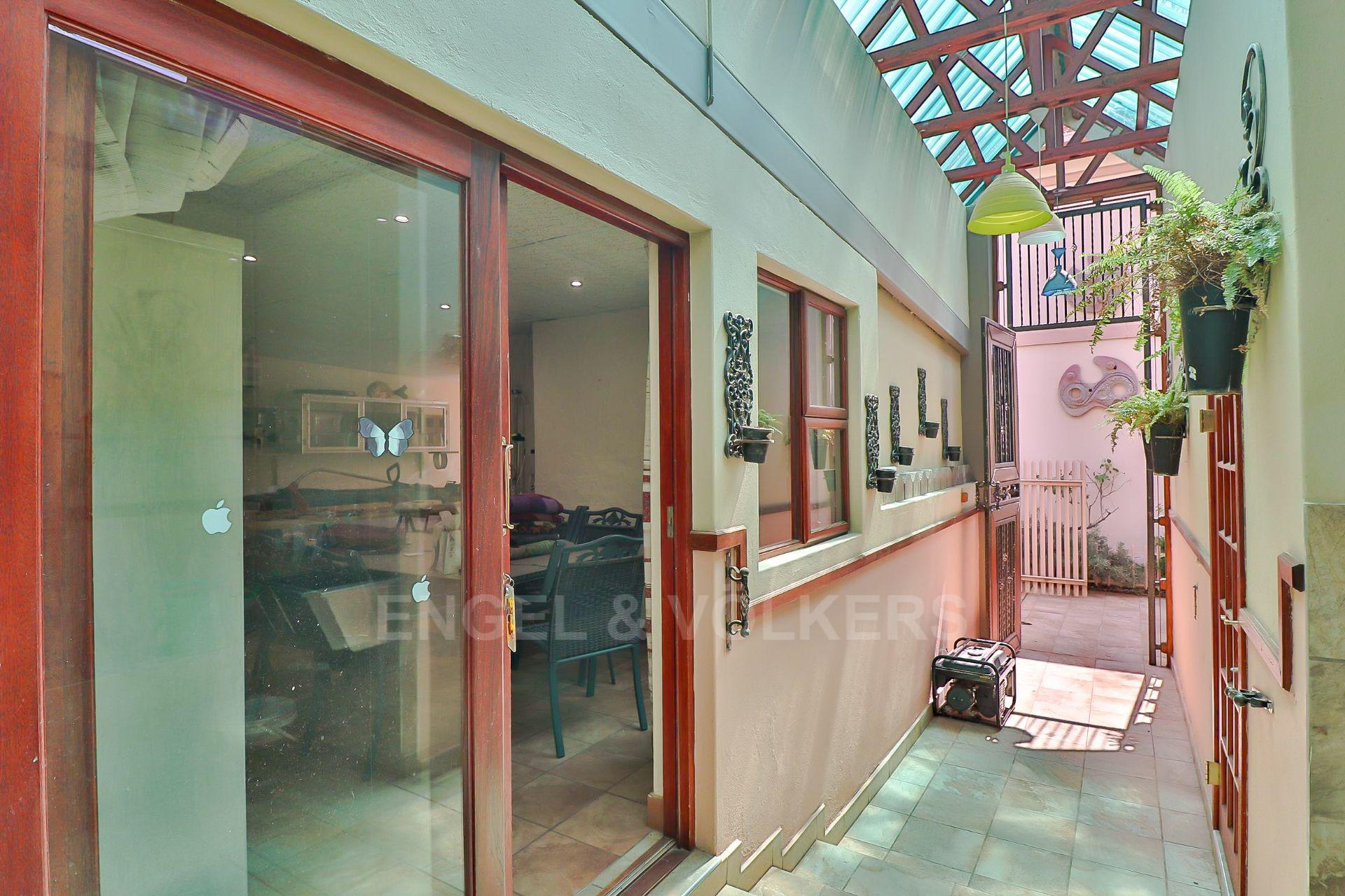 House in Ifafi - Workshop entrance