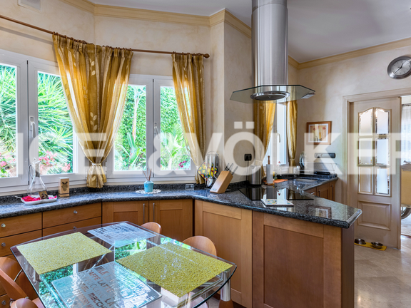House in Altos Reales - Kitchen