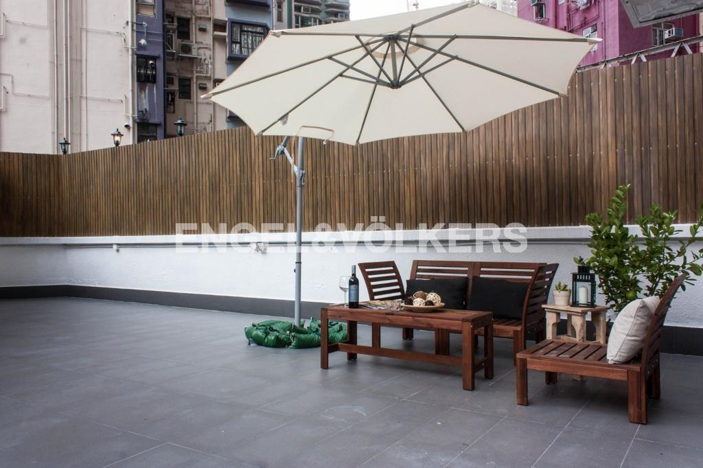 Apartment in Sheung Wan/Central/Admiralty - KAM FUNG MANSION 金風大廈
