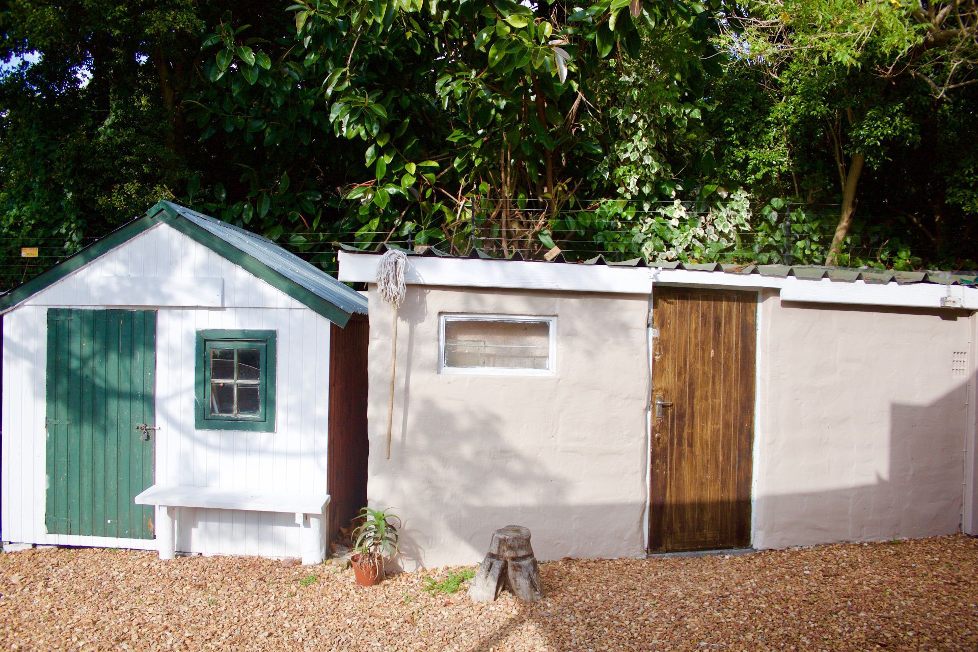 House in Hout Bay - staff Flat and garden shed