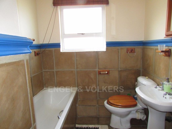 Apartment in Margate - 007 Bathroom 2.JPG