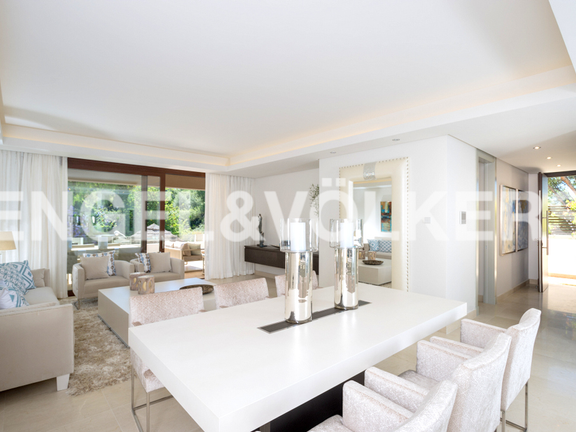 House in Marbella City - Living-Dining Room