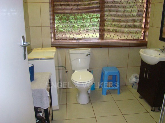 Condominium in Ramsgate - 008 Bathroom 2.JPG