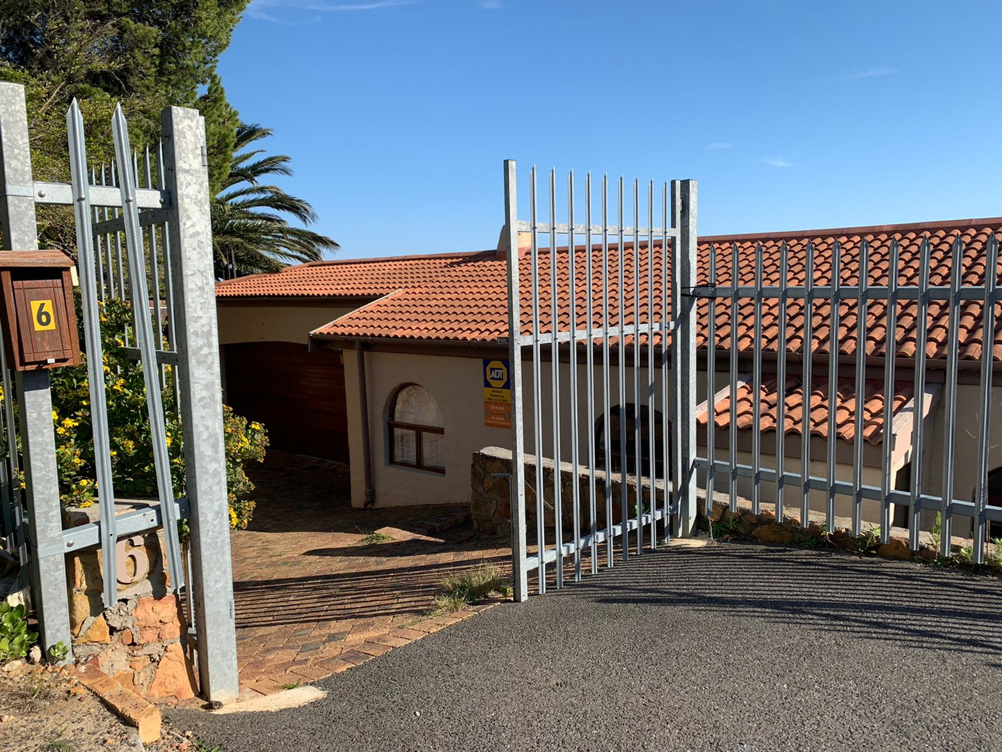 House in Camps Bay - Entrance