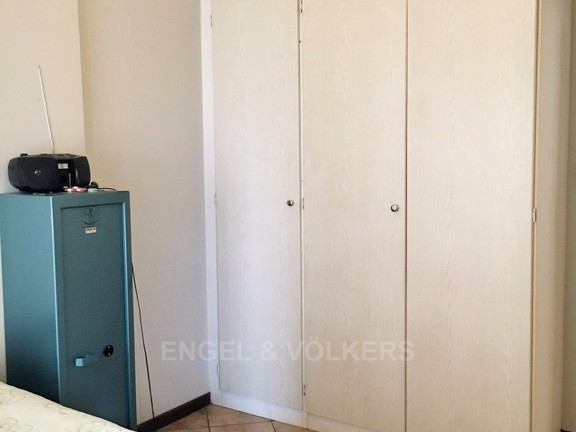 Apartment in Die Hoewes - Spacious cupboards in main bedroom.JPG
