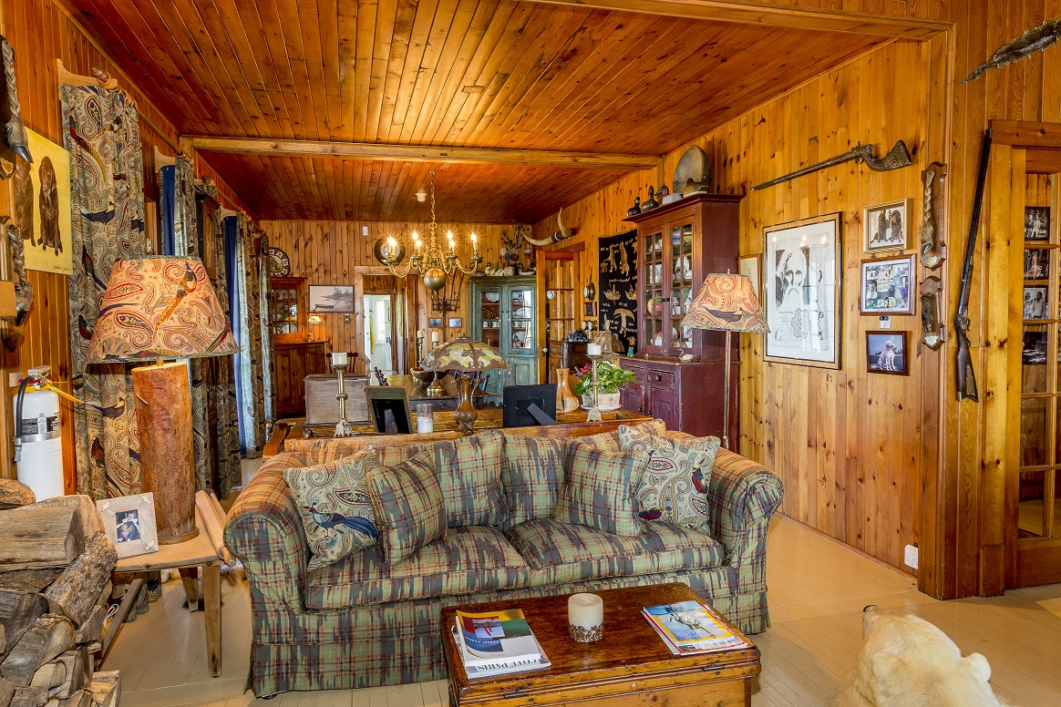 House in Parry Sound