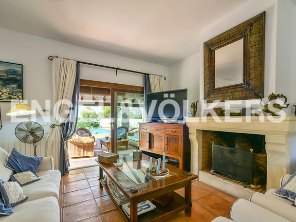 House in Calpe - Living area with fireplace