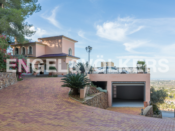 House in La Sella Golf - Parking area and garage.