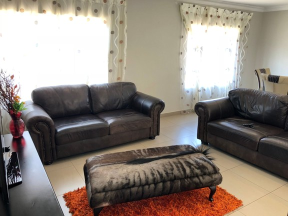 House in Lifestyle Estate - Living Room