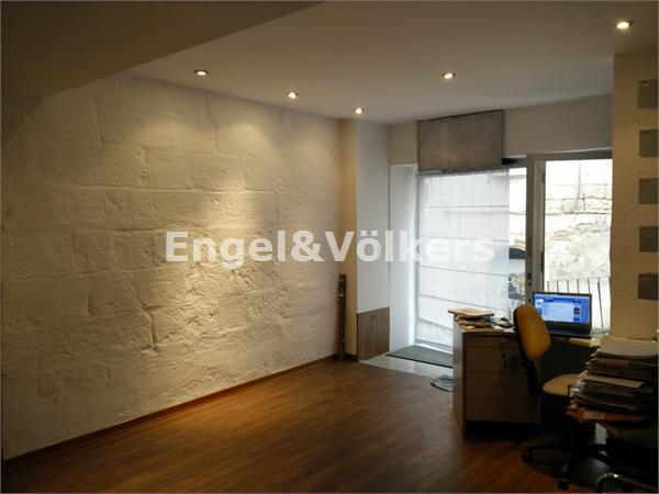 Retail Services in Sliema - East, Sliema, Commercial Shop, Inside
