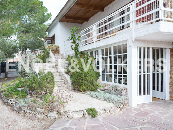 House in La Cañada - View of the property