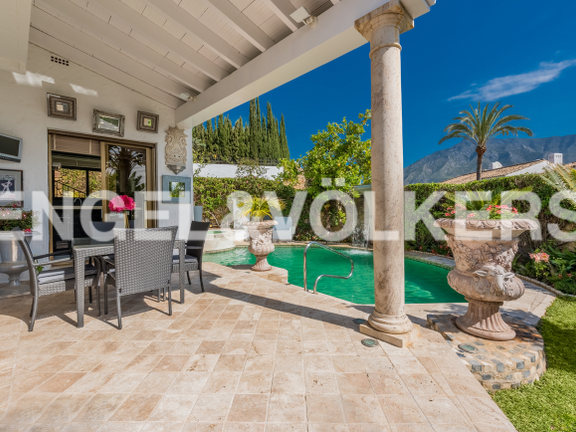 House in Golden Mile - Porch & Pool