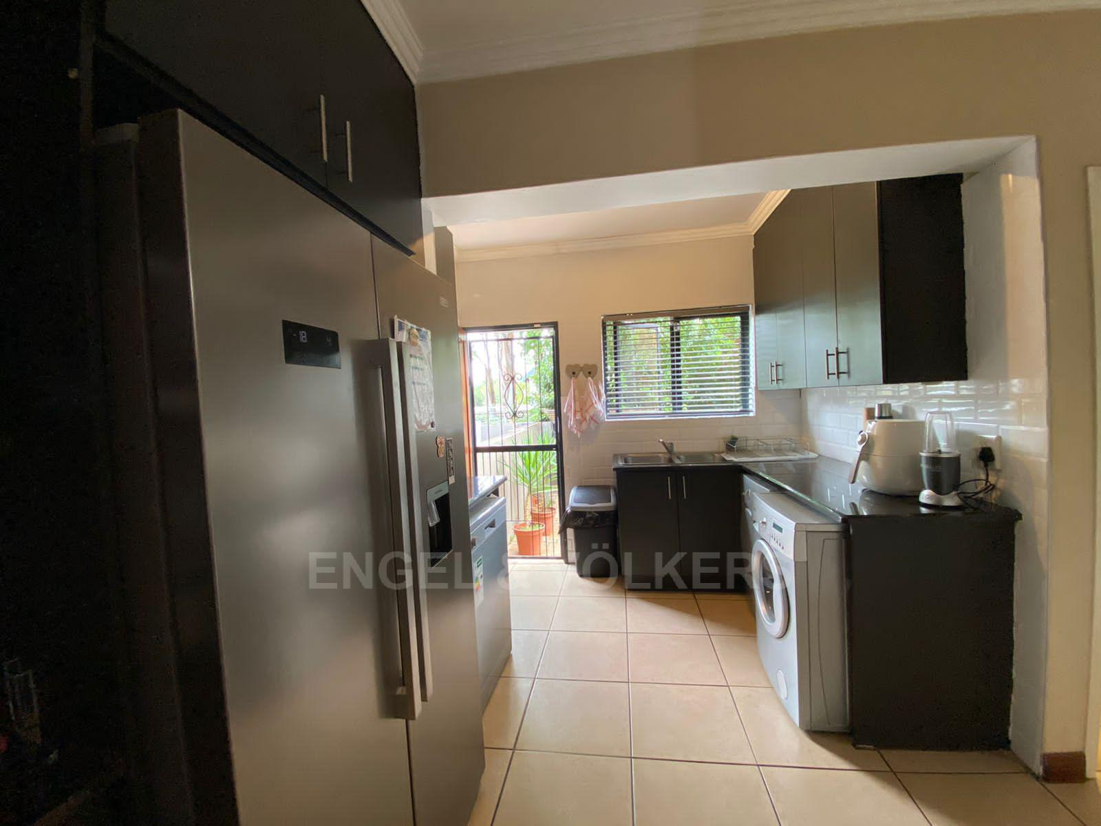 House in Melodie - Kitchen different angle