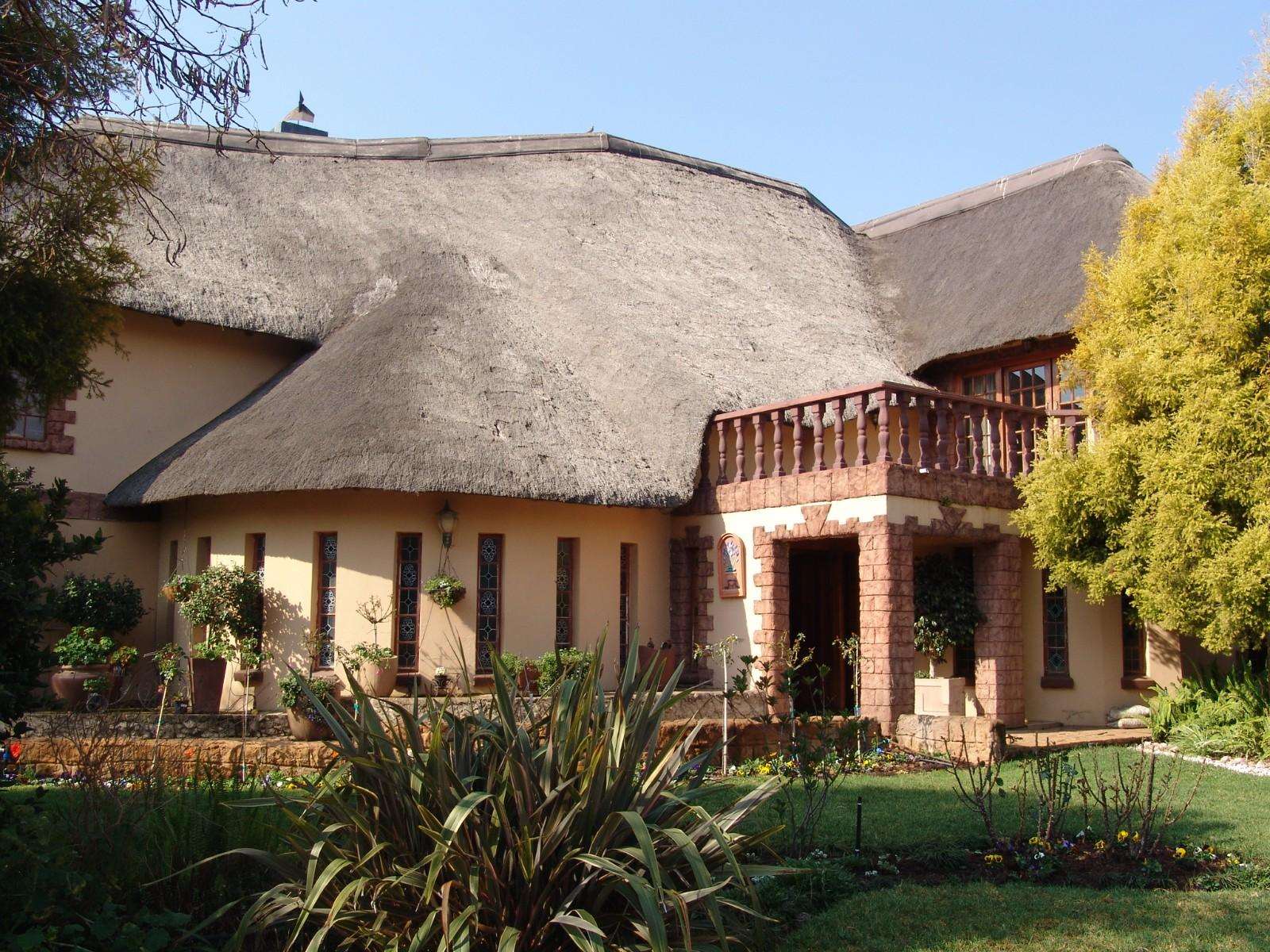 House in Thatch Haven - Front Entrance