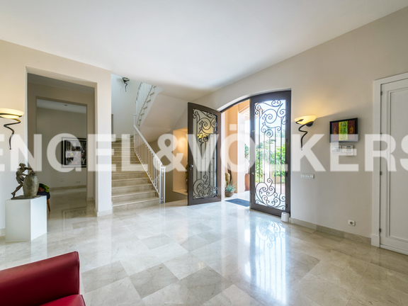 House in Marbella City - Entrance Hall