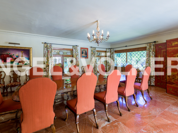 House in Golden Mile - Dining Room