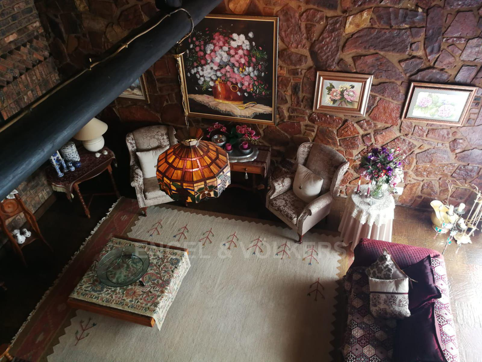 Land in Hartbeespoort Dam Area - Large lounge