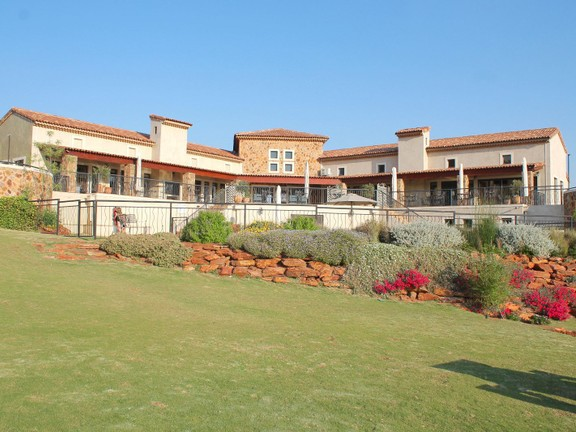 Land in Beau Rivage - Clubhouse